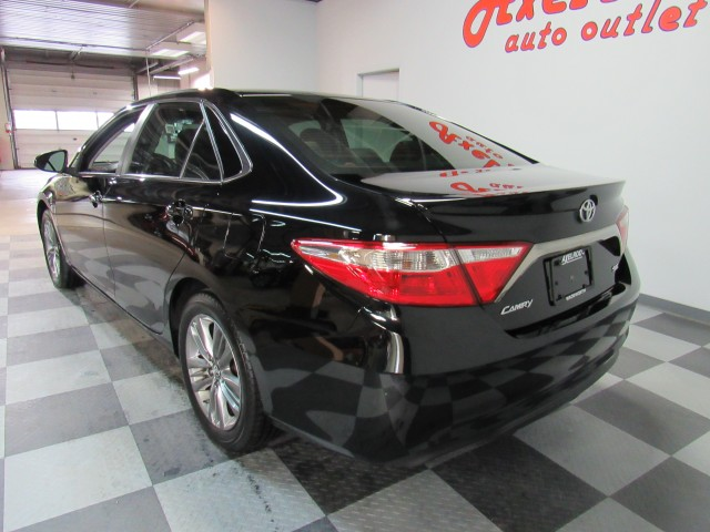 2017 Toyota Camry SE in Cleveland