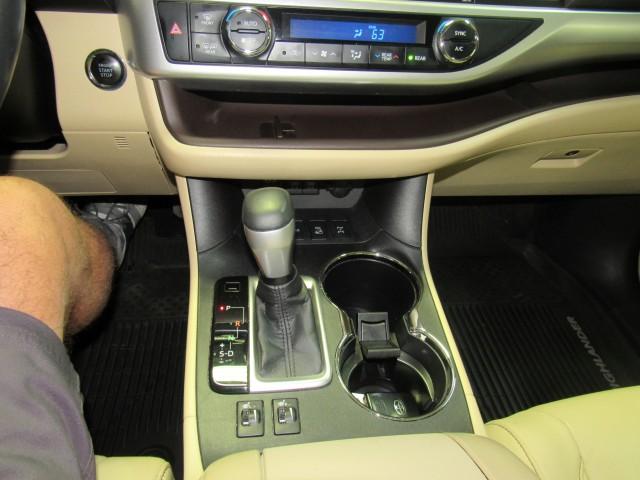 2018 Toyota Highlander XLE AWD V6 in Cleveland