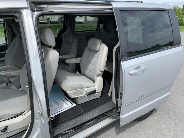 2009 Dodge Grand Caravan SXT for sale at Mull's Auto Sales