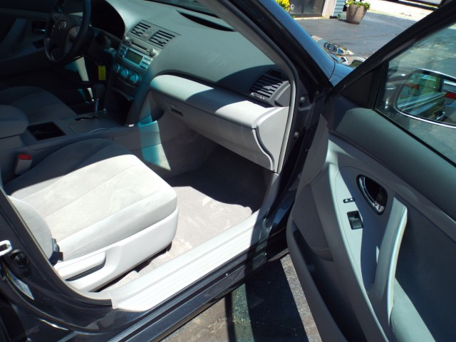 2009 TOYOTA CAMRY LE for sale at Carena Motors