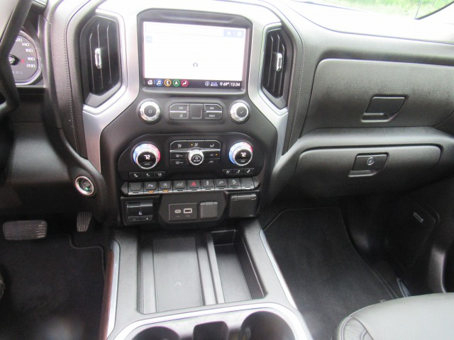 2020 GMC Sierra 1500 SLT Crew Cab 4WD in Cleveland