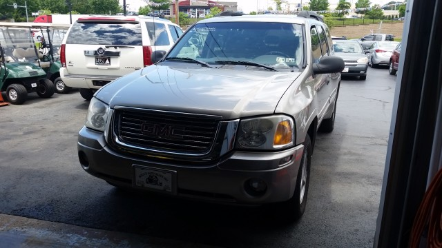 2003 GMC Envoy XL SLE 4WD for sale at Mull's Auto Sales
