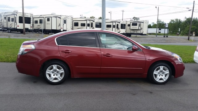 2009 Nissan Altima 2.5 for sale at Mull's Auto Sales