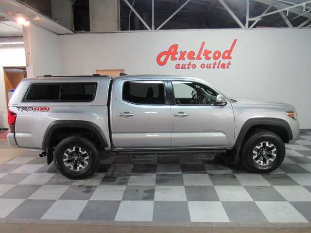 2018 Toyota Tacoma SR5 Double Cab TRD Off Road V6 6AT 4WD in Cleveland