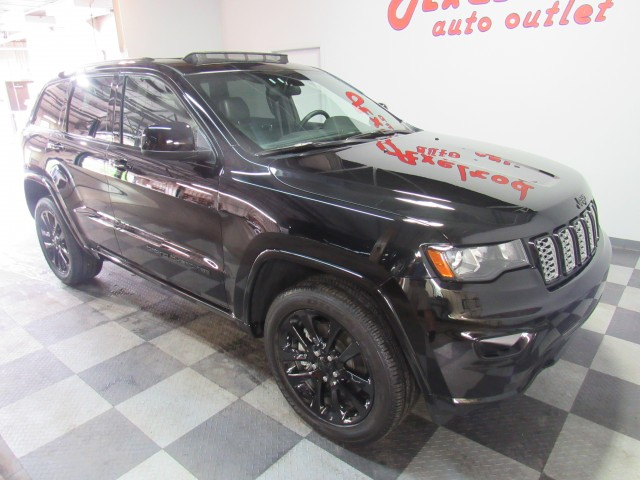 2021 Jeep Grand Cherokee Altitude Edition  4WD in Cleveland