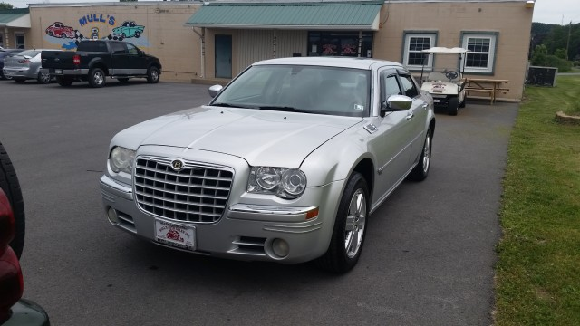 2006 Chrysler 300 C AWD for sale at Mull's Auto Sales