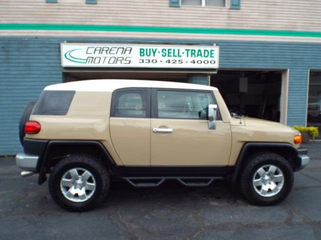 2011-TOYOTA-FJ CRUISER--FOR-SALE-Twinsburg-Ohio for sale at Carena Motors