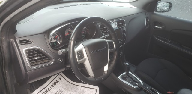 2014 Chrysler 200 Touring for sale at Mull's Auto Sales