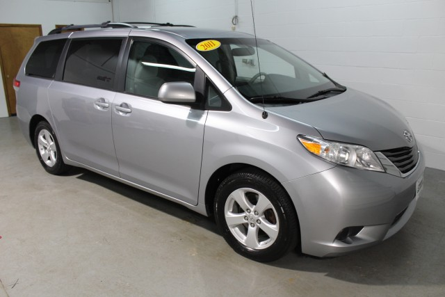 2011 TOYOTA SIENNA LE for sale | Used Cars Twinsburg | Carena Motors