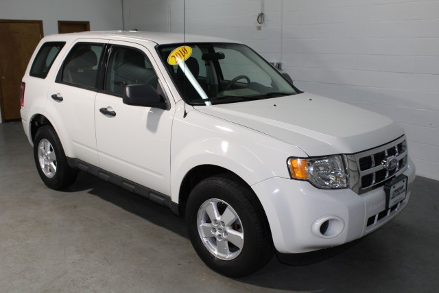 2010 FORD ESCAPE XLS for sale | Used Cars Twinsburg | Carena Motors