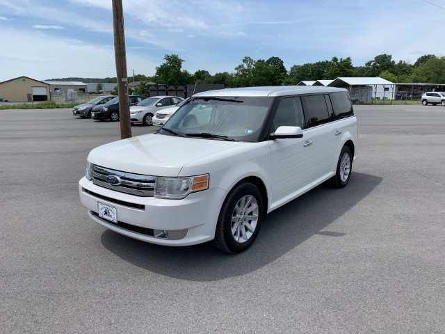2010 Ford Flex SEL FWD for sale at Mull's Auto Sales