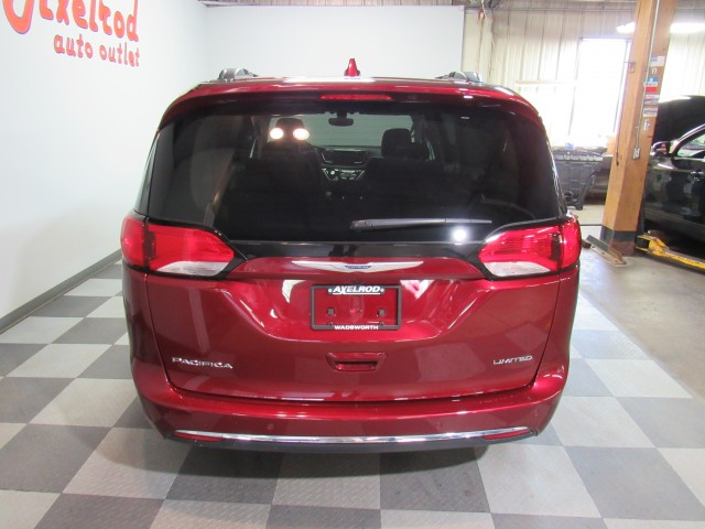 2018 Chrysler Pacifica Limited in Cleveland