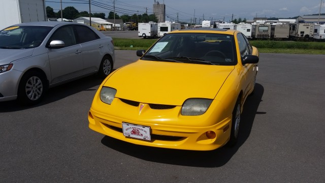 2002 Pontiac Sunfire SE coupe for sale at Mull's Auto Sales