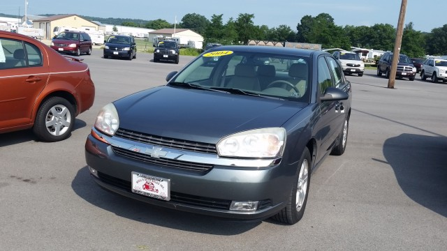 2004 Chevrolet Malibu LT for sale at Mull's Auto Sales