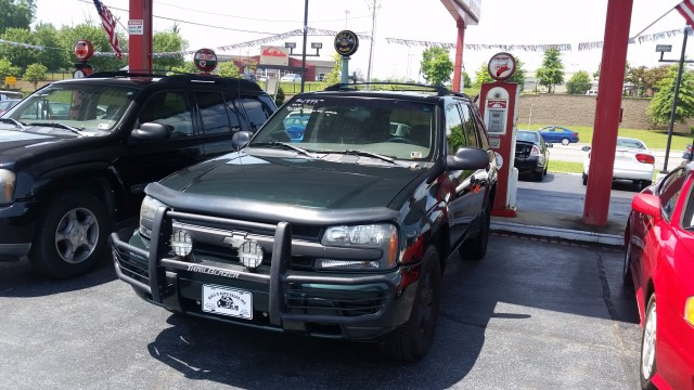 2003 Chevrolet TrailBlazer LS 4WD for sale at Mull's Auto Sales