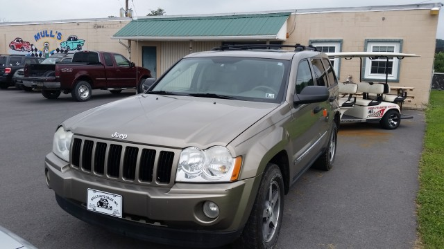 2005 Jeep Grand Cherokee Rocky Mountain Edition 4WD for sale at Mull's Auto Sales