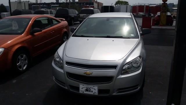 2009 Chevrolet Malibu LS for sale at Mull's Auto Sales