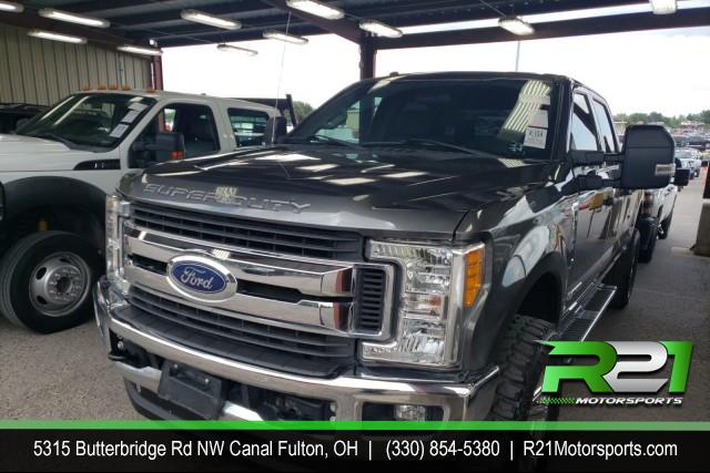 2006 FORD F-350 SD LARIAT CREW CAB 4WD 6.0L POWERSTROKE DIESEL for sale at R21 Motorsports