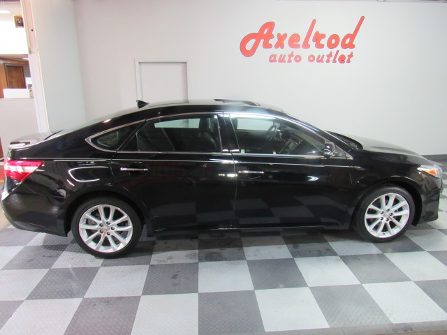 2013 Toyota Avalon Limited in Cleveland