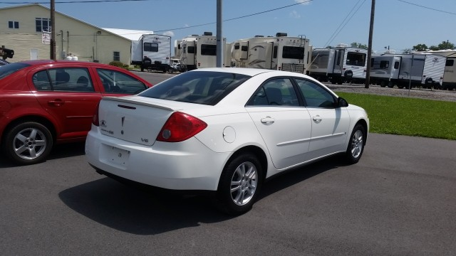 2006 Pontiac G6 V6 Sedan for sale at Mull's Auto Sales