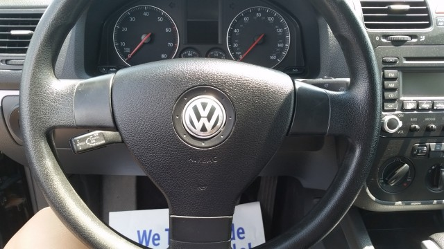 2006 Volkswagen Jetta 2.5L for sale at Mull's Auto Sales
