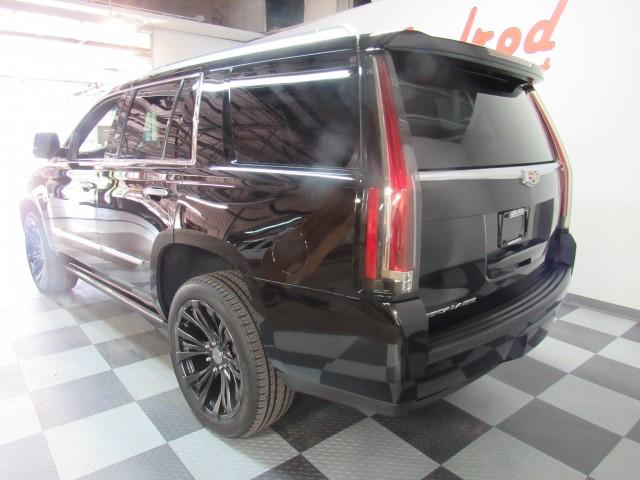 2016 Cadillac Escalade Platinum 4WD in Cleveland