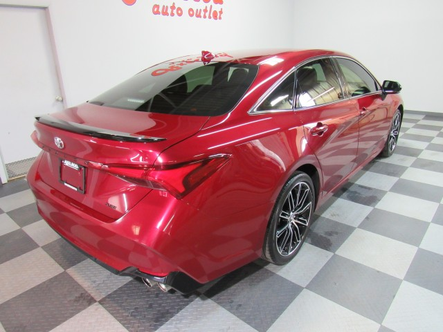 2019 Toyota Avalon XSE in Cleveland
