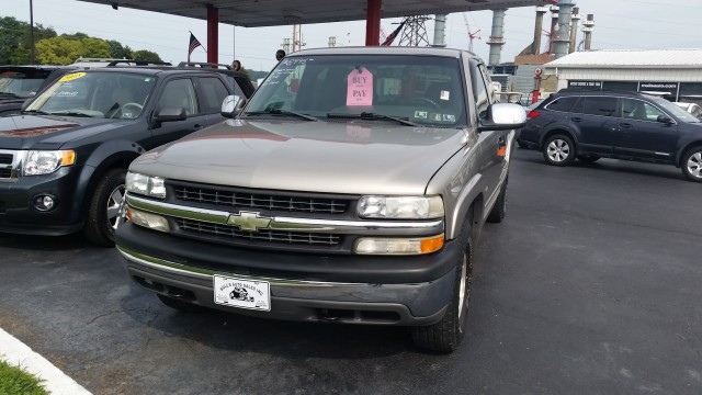2002 Chevrolet Silverado 1500 Ext. Cab Short Bed 4WD for sale at Mull's Auto Sales