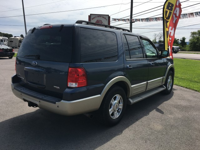 2005 Ford Expedition Eddie Bauer 4WD for sale at Mull's Auto Sales