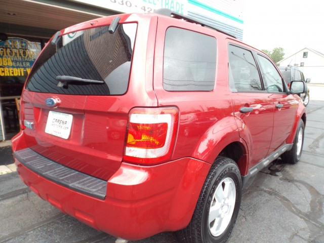 2009 FORD ESCAPE XLT for sale at Carena Motors