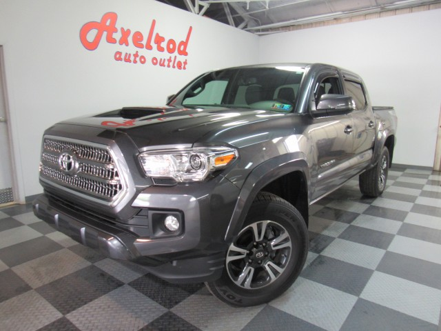 2017 Toyota Tacoma SR5 Double Cab TRD Sport V6 6AT 4WD