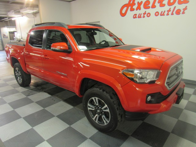 2016 Toyota Tacoma SR5 Double Cab TRD Sport V6 5AT 4WD in Cleveland