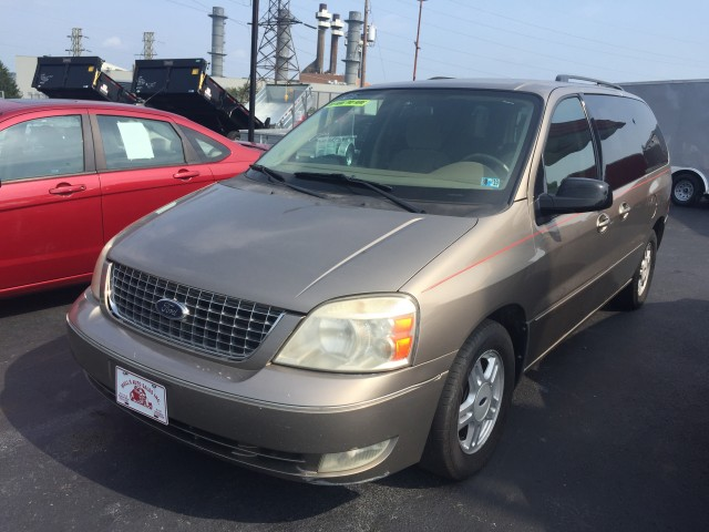 2005 Ford Freestar SEL for sale at Mull's Auto Sales