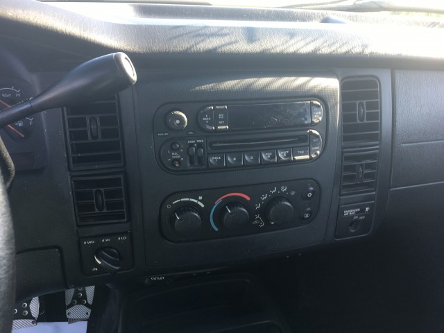 2004 Dodge Dakota Sport Plus Club Cab 4WD for sale at Mull's Auto Sales