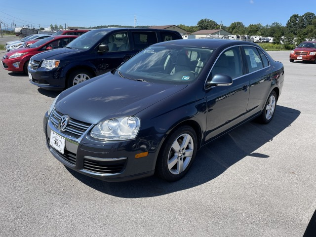 2009 Volkswagen Jetta SE for sale at Mull's Auto Sales