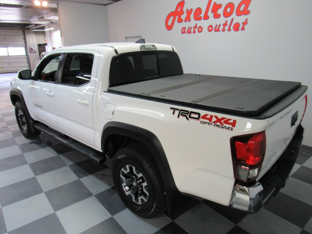 2018 Toyota Tacoma TRD Off Road Double Cab  V6 6AT 4WD in Cleveland