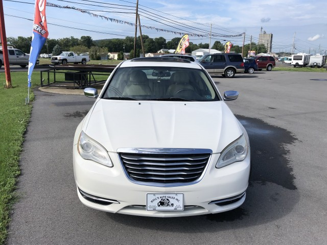 2011 Chrysler 200 Limited for sale at Mull's Auto Sales