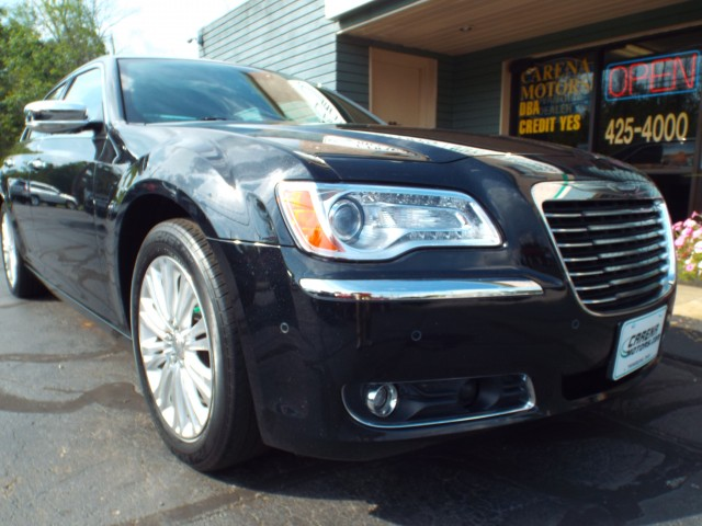 2014 CHRYSLER 300C C for sale at Carena Motors