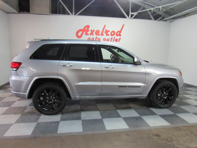 2020 Jeep Grand Cherokee Altitude Edition  4WD in Cleveland