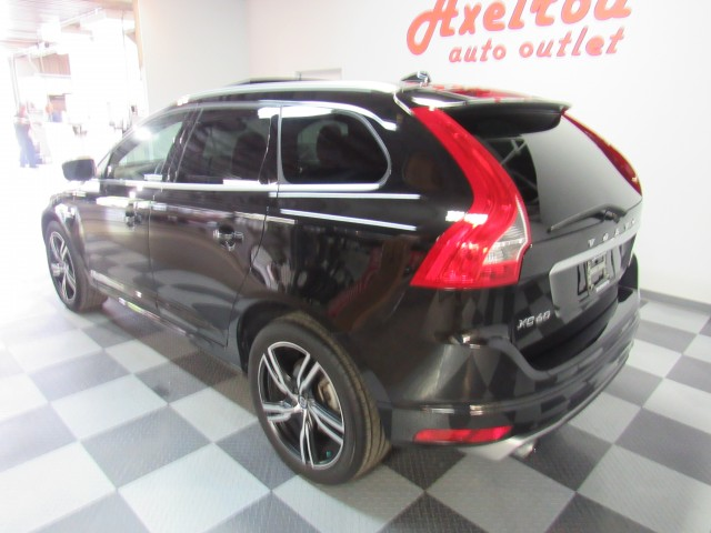 2017 Volvo XC60 T6 R-Design AWD in Cleveland