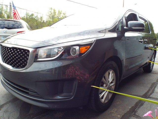 2017 KIA SEDONA LX for sale at Carena Motors
