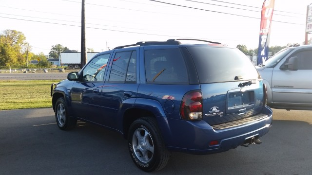 2006 Chevrolet TrailBlazer LT 4WD for sale at Mull's Auto Sales