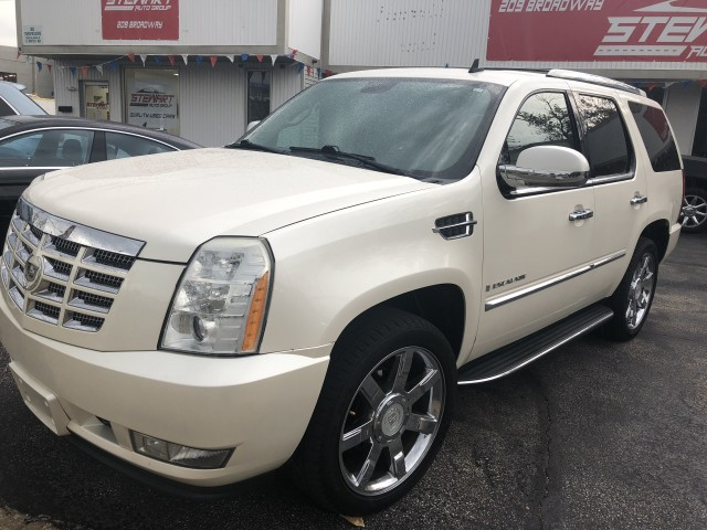 2008 CADILLAC ESCALADE LUXURY for sale at Stewart Auto Group