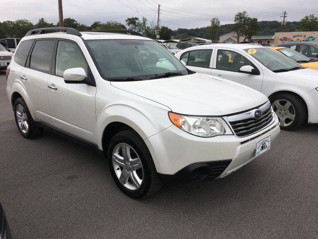 2009 Subaru Forester 2.5X Premium for sale at Mull's Auto Sales