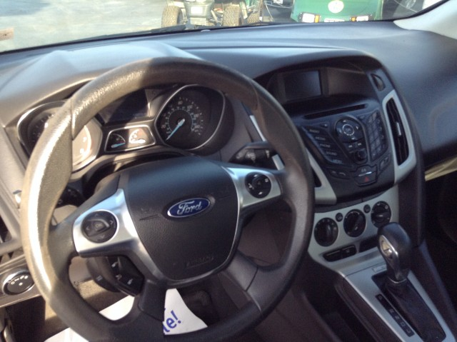 2014 Ford Focus SE Sedan for sale at Mull's Auto Sales