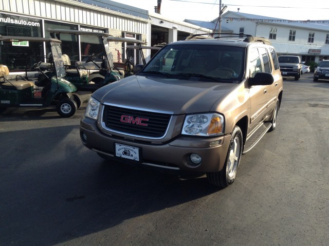 2003 GMC Envoy XL SLT 4WD for sale at Mull's Auto Sales