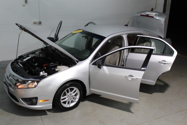 2010 FORD FUSION S for sale at Carena Motors