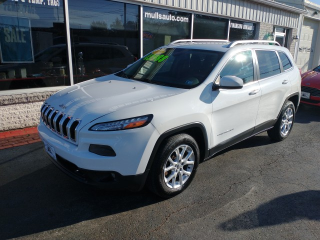 2014 Jeep Cherokee Latitude FWD for sale at Mull's Auto Sales