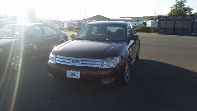 2009 Ford Taurus SEL FWD for sale at Mull's Auto Sales