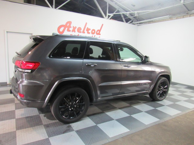 2017 Jeep Grand Cherokee Altitude Edition 4WD in Cleveland